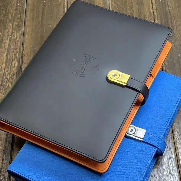 天津商务笔记本套装(32开仿真皮活页本+优盘16G+移动电源8000毫安)