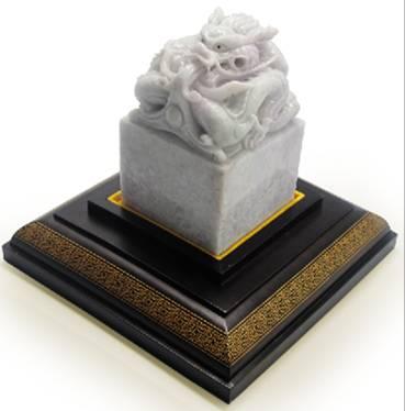 玉品世家 翡翠宝玺 4公斤纯天然紫罗兰翡翠    创造价值神话
